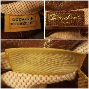 Dooney & Bourke Bags - Gorgeous DOONEY & BURKE Hobo